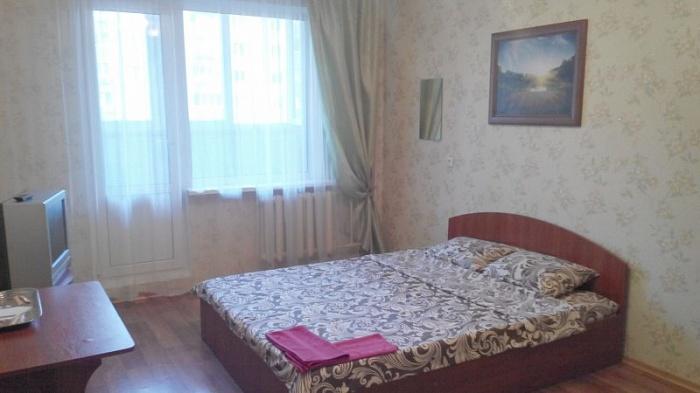 1-комнатная квартира посуточно в Киеве. Дарницкий район, Виноградная, 45. Фото 1