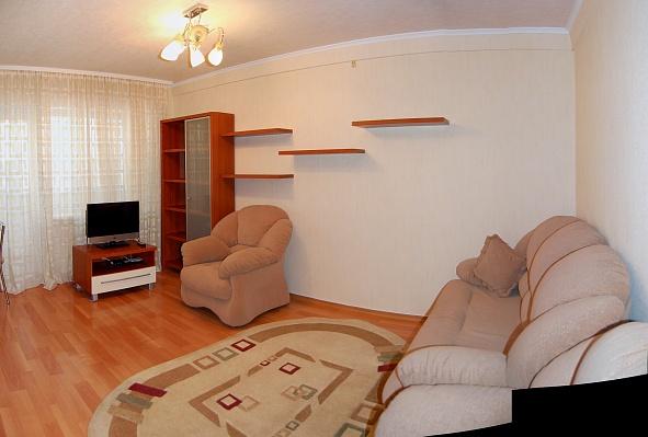1-комнатная квартира посуточно в Донецке. Киевский район, ул. Челюскинцев, 202 б. Фото 1