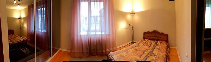 2-комнатная квартира посуточно в Луцке. ул. Франко, 2а. Фото 1
