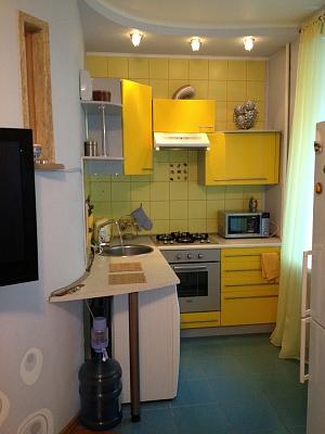 2-комнатная квартира посуточно в Донецке. Ворошиловский район, ул. Горького , 156. Фото 1