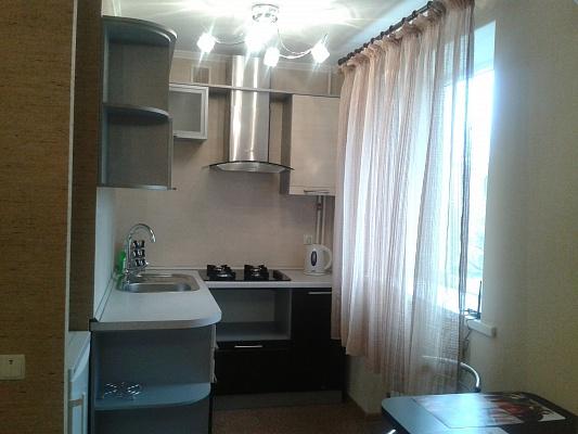 1-комнатная квартира посуточно в Мелитополе. ул. Дзержинского, 143. Фото 1