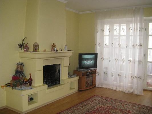 3-комнатная квартира посуточно в Каменце-Подольском. ул. Гагенмейстера, 7. Фото 1