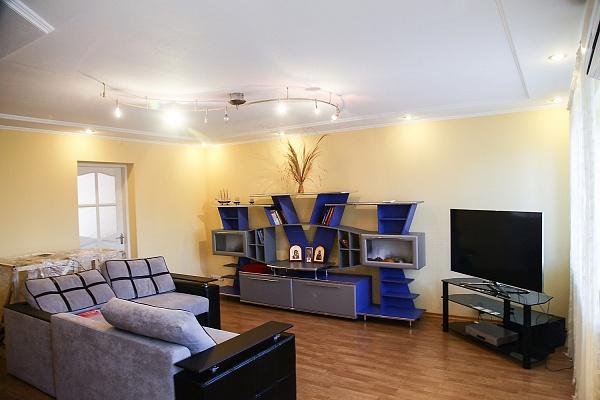 2-комнатная квартира посуточно в Каменце-Подольском. ул.Панивецька, 5. Фото 1