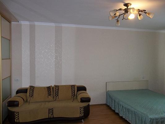 1-комнатная квартира посуточно в Черкассах. б-р Шевченко, 135. Фото 1