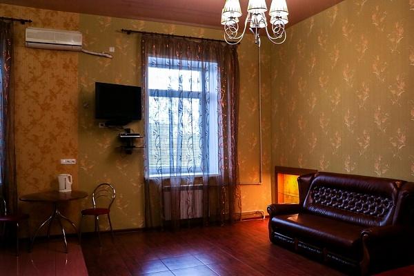 1-комнатная квартира посуточно в Днепропетровске. Бабушкинский район, ул. М.Грушевского (Карла Либкнехта), 4-Б. Фото 1