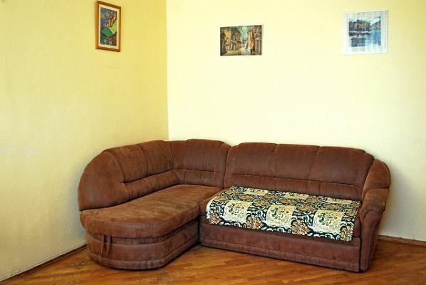 2-комнатная квартира посуточно в Киеве. Печерский район, ул. Красноармейская, 29. Фото 1