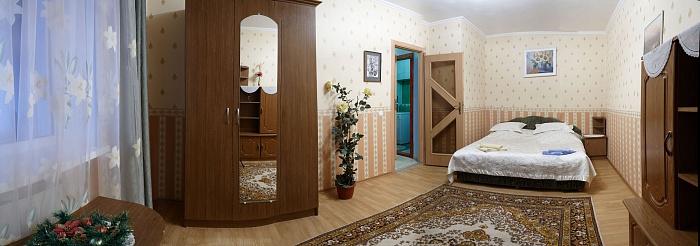 2-комнатная квартира посуточно в Поляне. ул. Курортная, 4. Фото 1