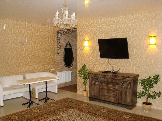 1-комнатная квартира посуточно в Одессе. Приморский район, ул. Преображенская, 5. Фото 1