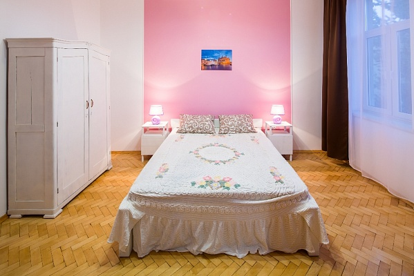 1-комнатная квартира посуточно в Львове. Галицкий район, ул. Князя М. Удатного, 7. Фото 1