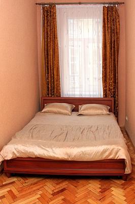 2-комнатная квартира посуточно в Львове. Галицкий район, пр-т Вячеслава Черновола, 27. Фото 1