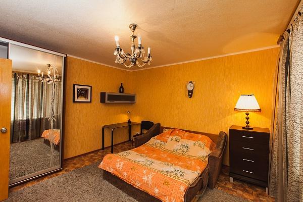 1-комнатная квартира посуточно в Северодонецке. ул. Курчатова, 19. Фото 1