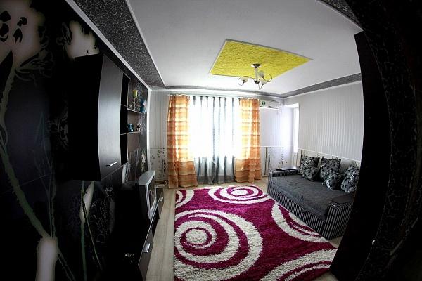 2-комнатная квартира посуточно в Кировограде. Ленинский район, ул. Гагарина, 9. Фото 1