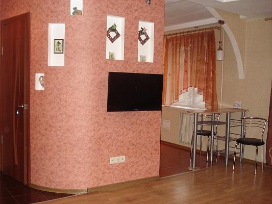 1-комнатная квартира посуточно в Запорожье. Орджоникидзевский район, ул. Победы, 113. Фото 1