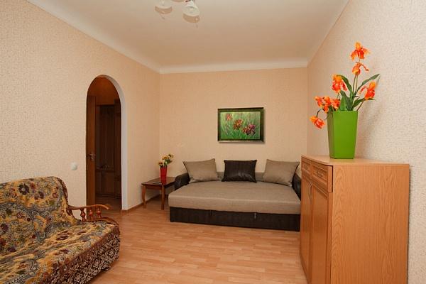 1-комнатная квартира посуточно в Ровно. ул. Парковая, 2. Фото 1