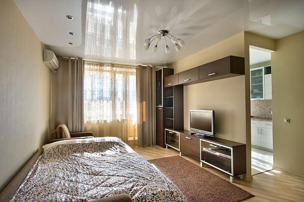 1-комнатная квартира посуточно в Северодонецке. пр-т Гвардейский, 31. Фото 1