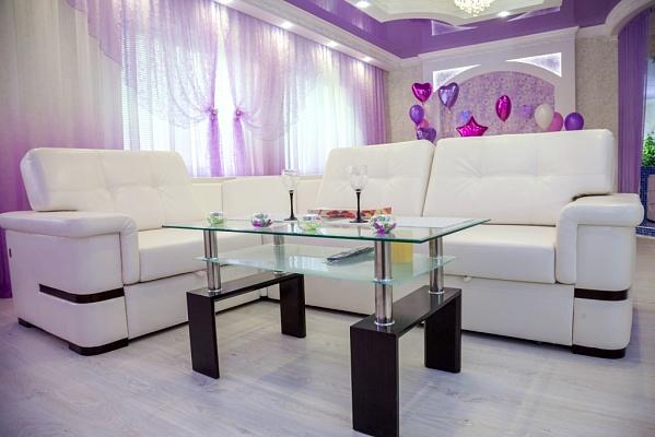 1-комнатная квартира посуточно в Мариуполе. ул. Бахчиванджи, 55. Фото 1