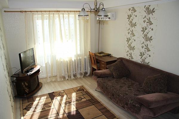 2-комнатная квартира посуточно в Киеве. Оболонский район, ул. Лайоша Гавро, 22. Фото 1