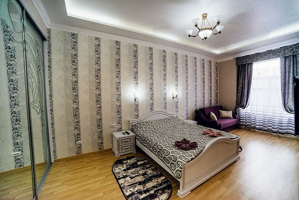 2-комнатная квартира посуточно в Львове. Галицкий район, ул. Винниченко, 8. Фото 1