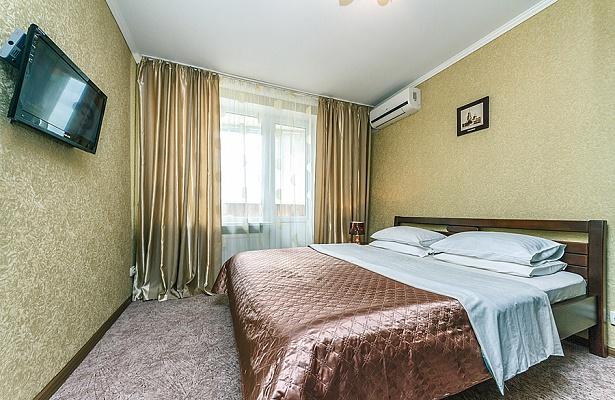 2-комнатная квартира посуточно в Киеве. Голосеевский район, ул. Саксаганского, 54/56. Фото 1
