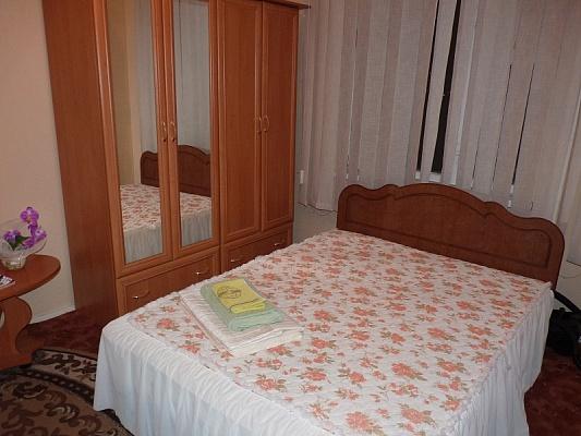 2-комнатная квартира посуточно в Черкассах. ул. Гагарина, 21. Фото 1