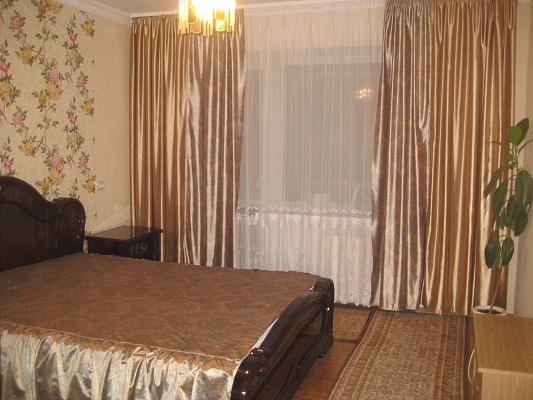 2-комнатная квартира посуточно в Шостке. ул. Черниговская (Кирова), 13. Фото 1