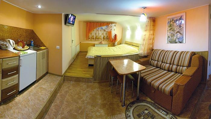 1-комнатная квартира посуточно в Трускавце. ул. Коцюбинского, 6. Фото 1