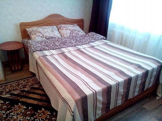 1-комнатная квартира посуточно в Шостке. ул. Мира, 4. Фото 1