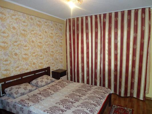 2-комнатная квартира посуточно в Краматорске. ул. Нади Курченко, 22. Фото 1