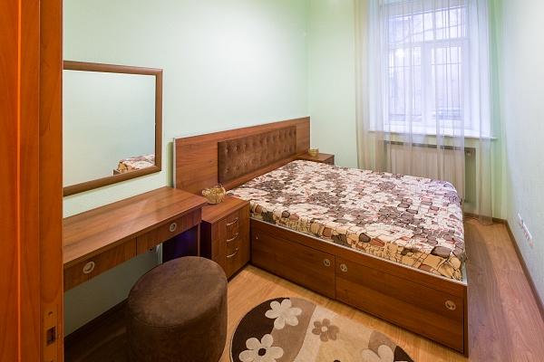 2-комнатная квартира посуточно в Львове. Галицкий район, пр-т Шевченко, 36. Фото 1