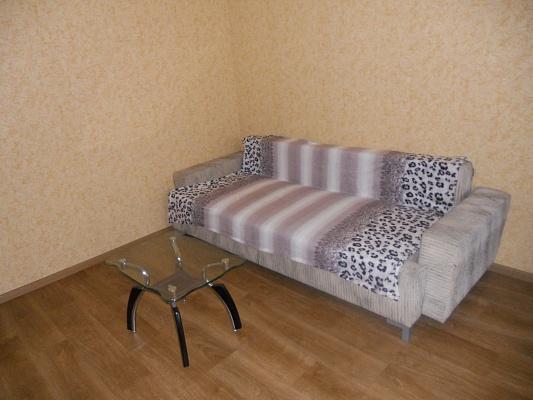 2-комнатная квартира посуточно в Донецке. Калининский район, ул. Капитана Ратникова, 4. Фото 1