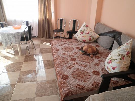 2-комнатная квартира посуточно в Алуште. Генуэзский тупик, 3. Фото 1