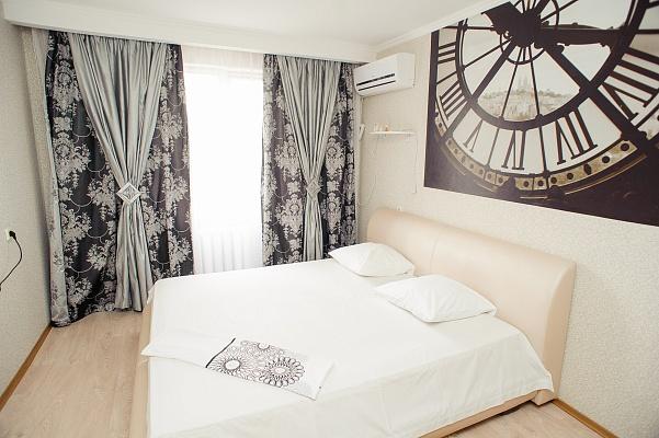 2-комнатная квартира посуточно в Черкассах. ул. Припортовая (Героев Сталинграда), 46. Фото 1