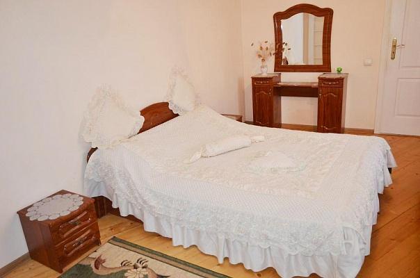 2-комнатная квартира посуточно в Черновцах. Первомайский район, ул. Кишиневская, 56а. Фото 1