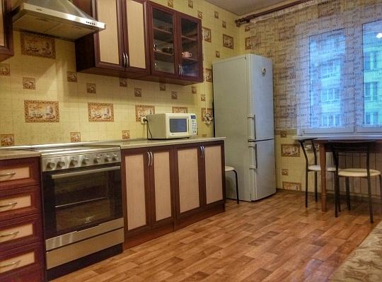 2-комнатная квартира посуточно в Киеве. Дарницкий район, ул. Урловская, 20. Фото 1