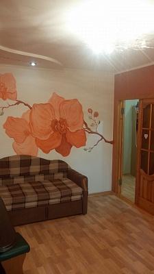 2-комнатная квартира посуточно в Мариуполе. пр-т Металлургов, 95. Фото 1