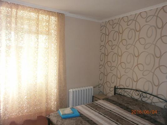2-комнатная квартира посуточно в Краматорске. ул. Академическая (Шкадинова), 47. Фото 1