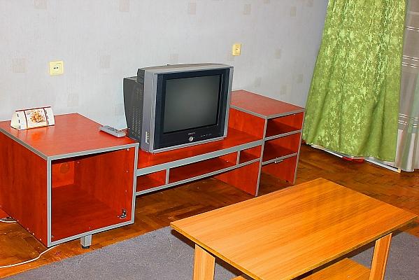 2-комнатная квартира посуточно в Запорожье. Жовтневый район, пр-т Ленина, 110-Б. Фото 1