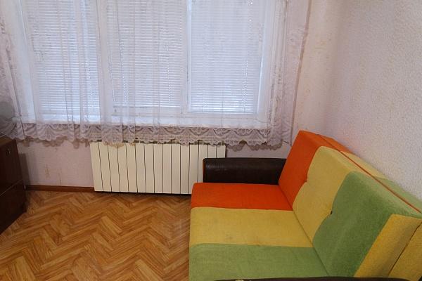 2-комнатная квартира посуточно в Энергодаре. пр-т Энергетиков, 11. Фото 1