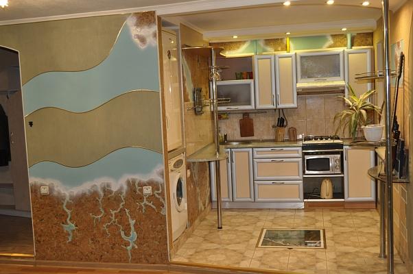 2-комнатная квартира посуточно в Николаеве. Заводской район, ул. Декабристов, 67. Фото 1