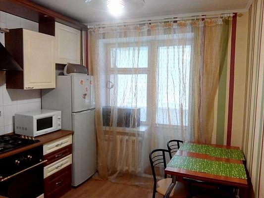 2-комнатная квартира посуточно в Хмельницком. ул. Cвободы, 22. Фото 1