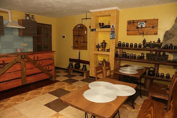 3-комнатная квартира посуточно в Каменце-Подольском. ул. Тимирязева, 35. Фото 1
