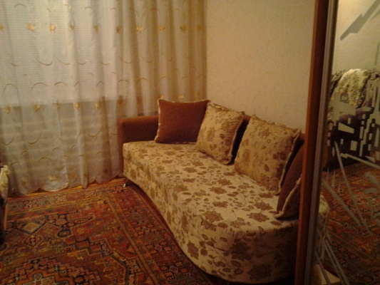 3-комнатная квартира посуточно в Бердянске. ул. Шмидта, 3/45. Фото 1