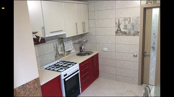 1-комнатная квартира посуточно в Каменце-Подольском. ул. Вокзальная, 77. Фото 1
