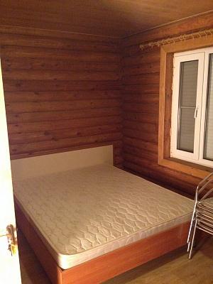 4-комнатная квартира посуточно в Кирилловке. ул. Соборная, 42. Фото 1