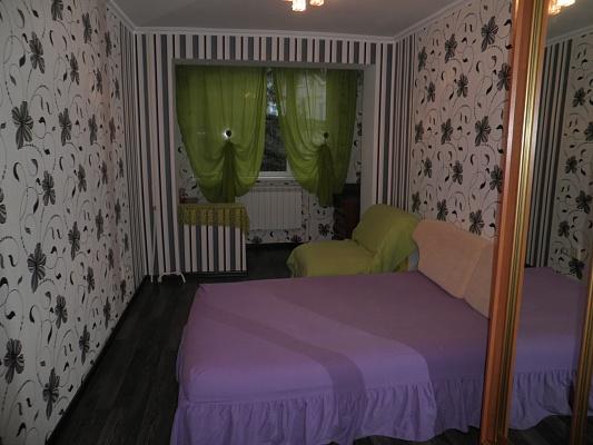 3-комнатная квартира посуточно в Алуште. ул. Ленина, 30а. Фото 1