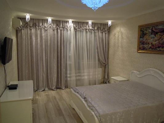 1-комнатная квартира посуточно в Одессе. Приморский район, ул. Маршала Говорова, 10. Фото 1