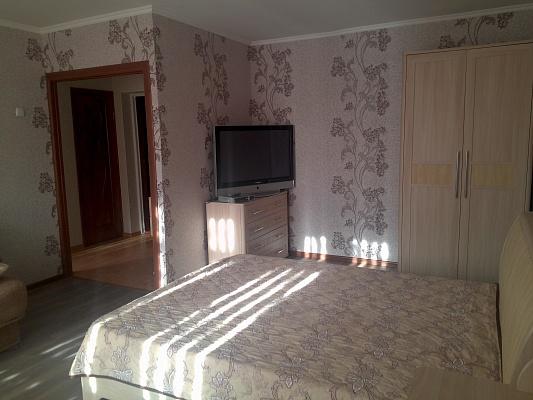 1-комнатная квартира посуточно в Бердянске. ул. Морская (Мазина), 45. Фото 1