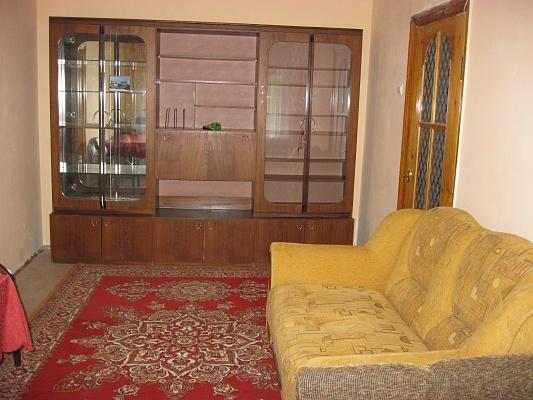 2-комнатная квартира посуточно в Каменце-Подольском. ул. Красноармейская, 30. Фото 1
