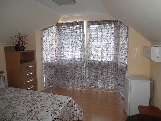 1-комнатная квартира посуточно в Алуште. ул. Ленина, 30а. Фото 1