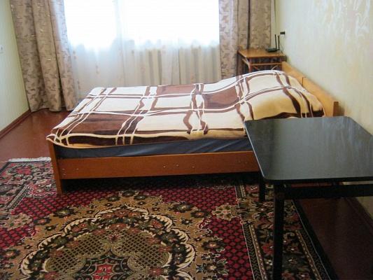 1-комнатная квартира посуточно в Житомире. ул. Вокзальная, 10. Фото 1